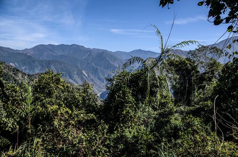 良楠山海拔1445m處東望群山 (2)