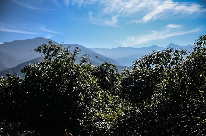良楠山海拔1435m處東望群山 (2)