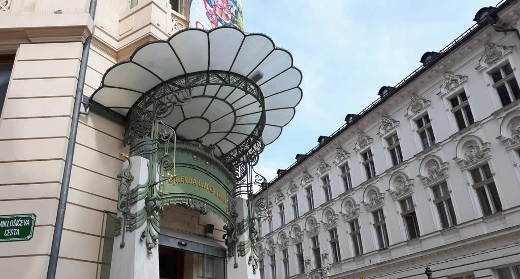 Art Nouveau in Ljubljana: Urbanc House | Mooistestedentrips.nl