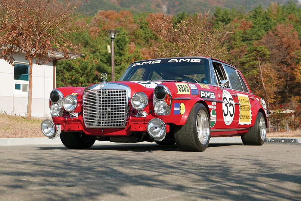 1969-Mercedes-Benz-300-SEL-6-3--Red-Pig--Replica-_25