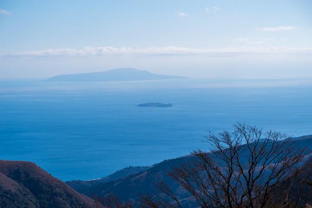 初島と伊豆大島