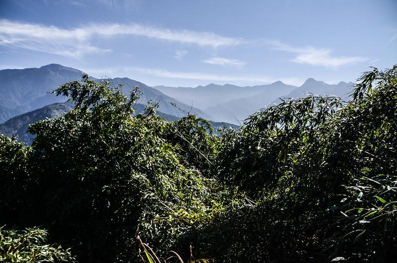 良楠山海拔1465m處東望群山 (3)