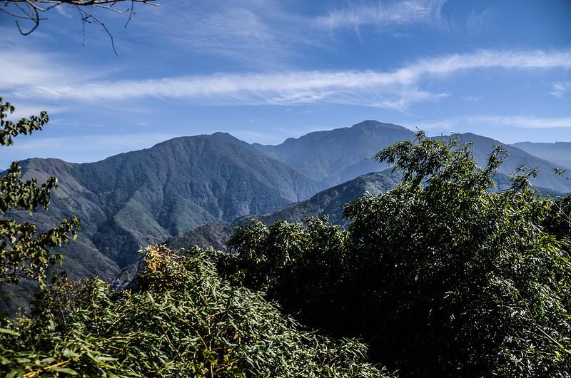 良楠山海拔1465m處東望群山 (2)
