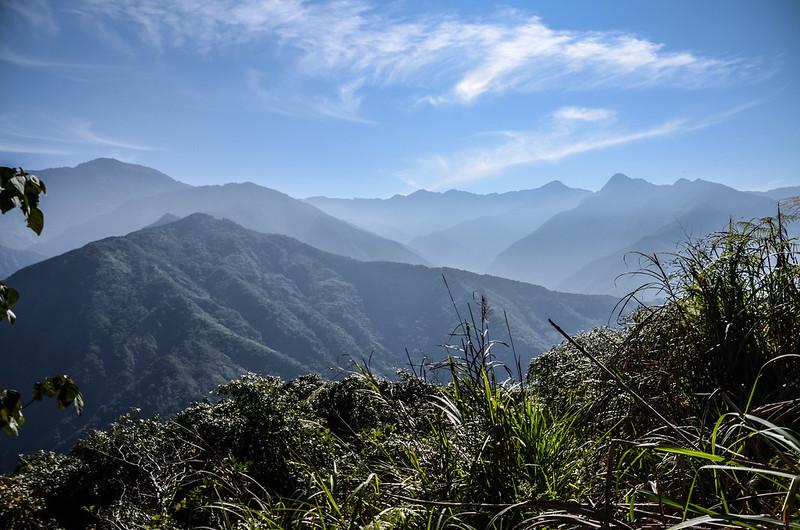 良楠山海拔1445m處東望群山 (1)