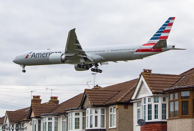 American Airlines B777-300(ER) N733AR