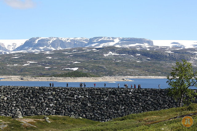 Sysenvatn with Hardanger Glacier