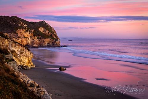 avila avilabeach clouds coast coastline ocean pier shore sunset waves pink pastel pastelsunset getty gettyimages mimiditchie mimiditchiephotography