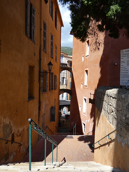 escaliers ocres