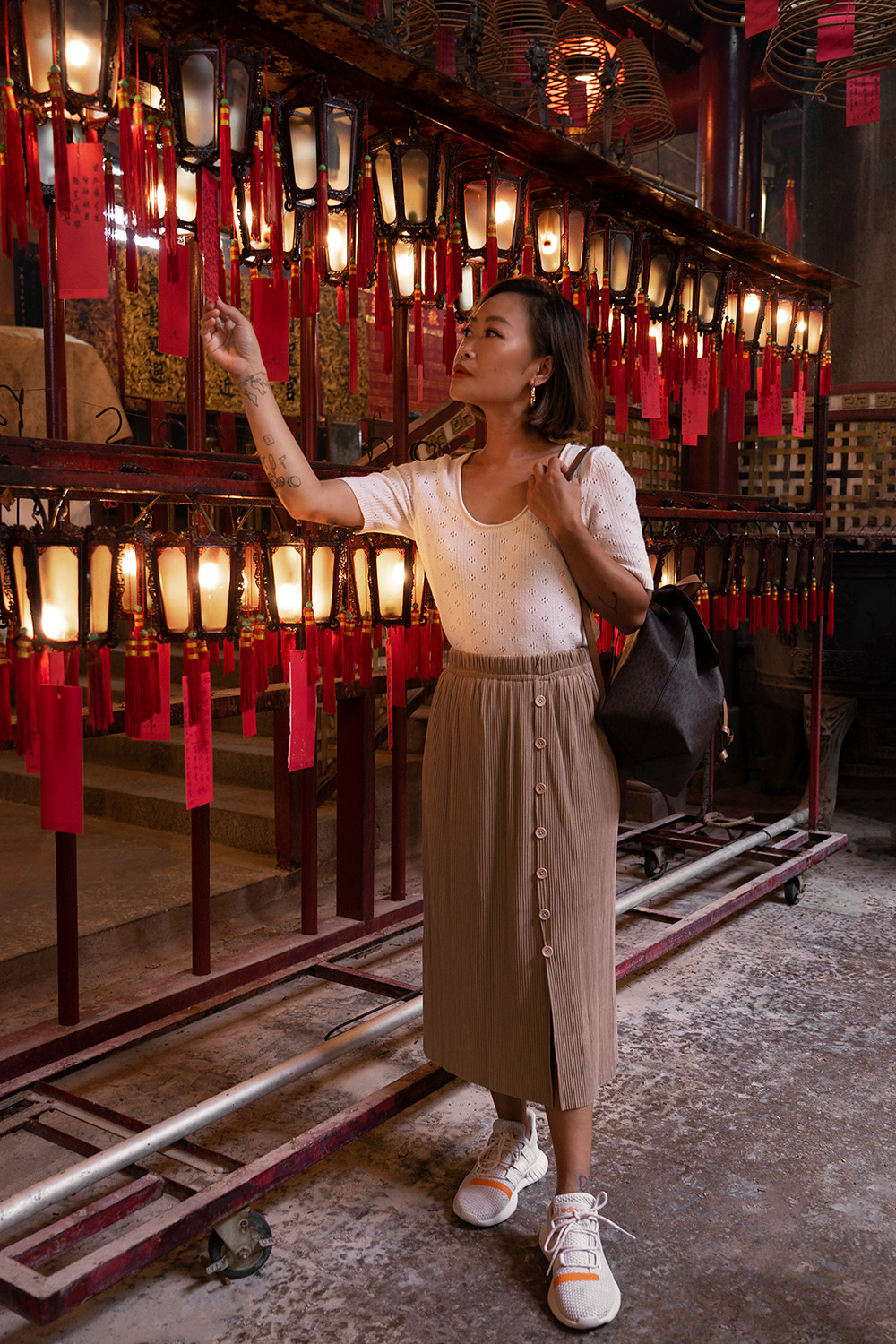 13hongkong-manmotemple-lanterns-travel