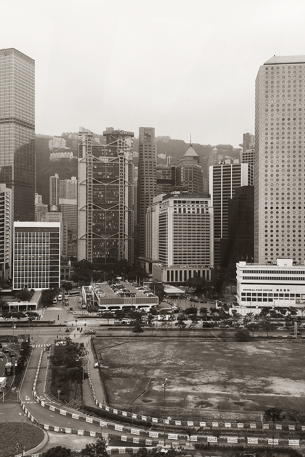 16hongkong-central-cityscape-travel