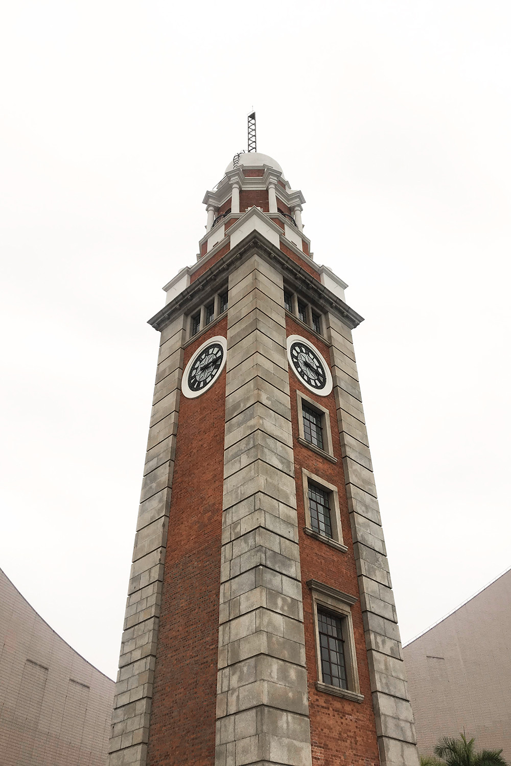 22hongkong-tsimshatsui-clock-tower-travel