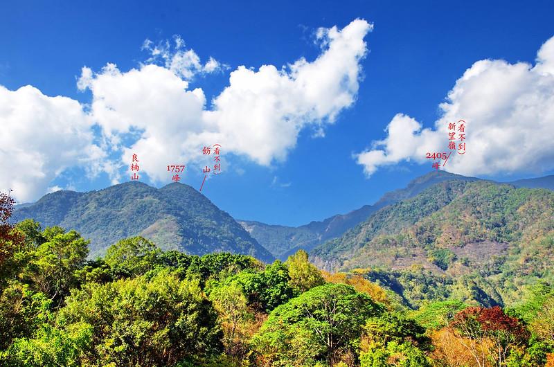 梅山遊客中心西北眺良楠山(葉青鑫拍攝)