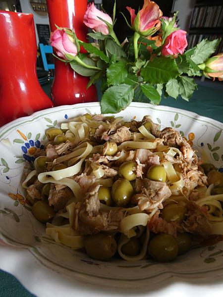 pâtes et veau aux olives