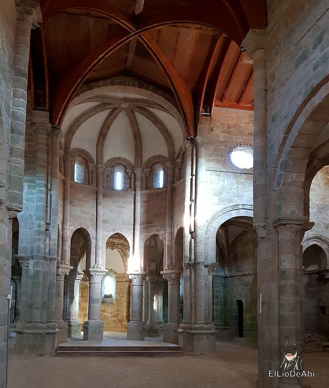 Descubre el Monasterio de San Lorenzo de Carboeiro (12)