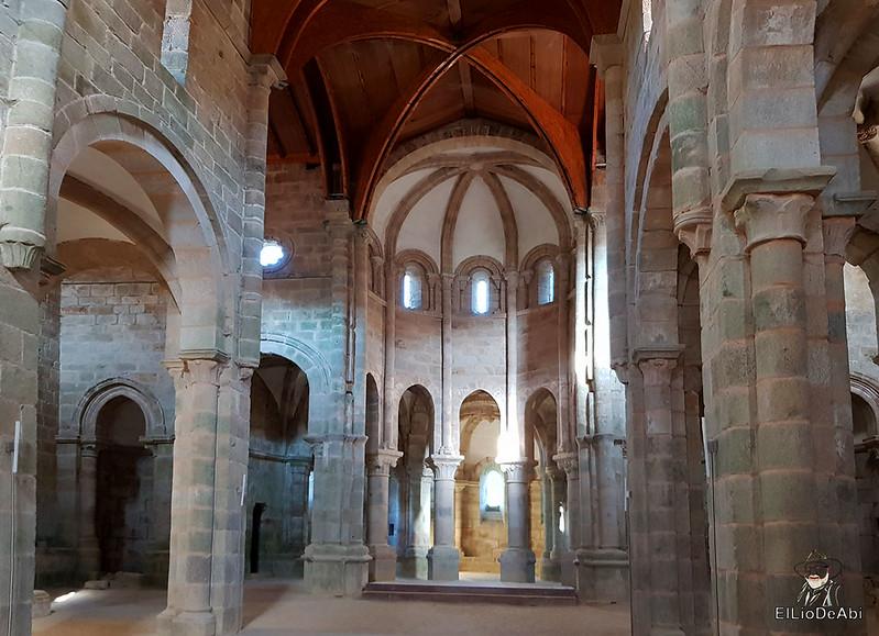 Descubre el Monasterio de San Lorenzo de Carboeiro (1)