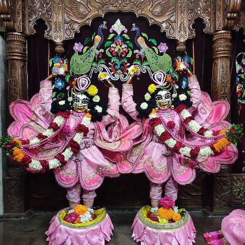 ISKCON Bhubaneswar Deity Darshan 07 Jan 2020