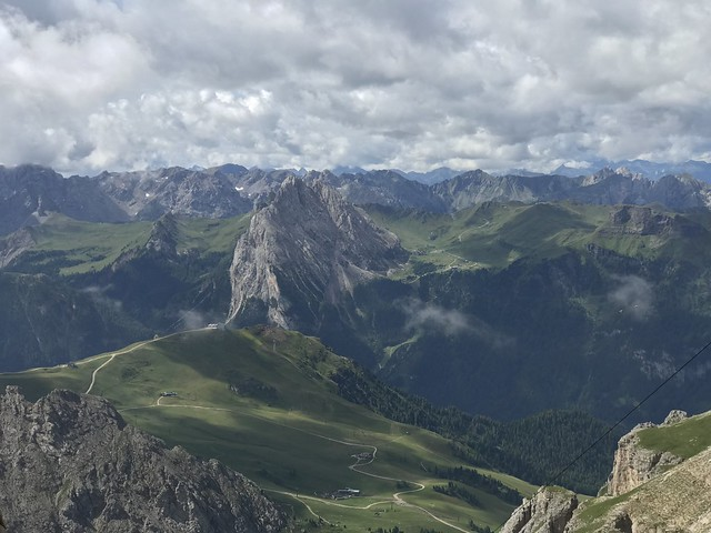 The Valley Below passo Pordoi