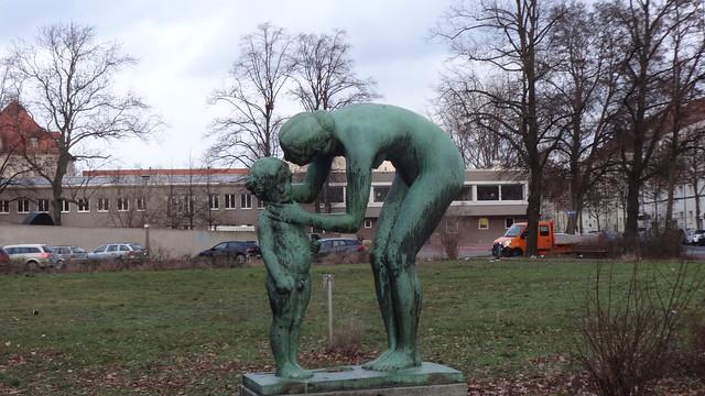 1925 Berlin Venus und Amor von Peter Breuer Bronze Griechische Allee/Schillerpromenade in 12459 Oberschöneweide