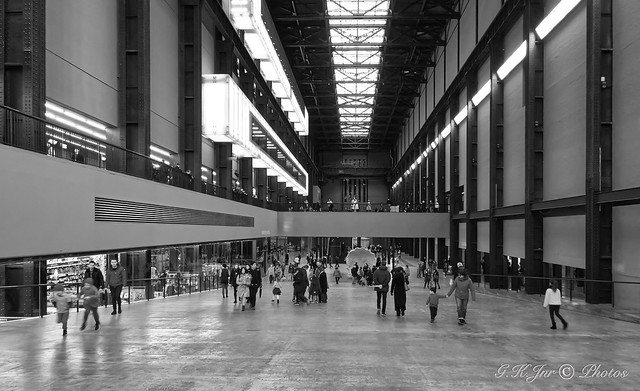 Inside The Tate Modern (2)-03368