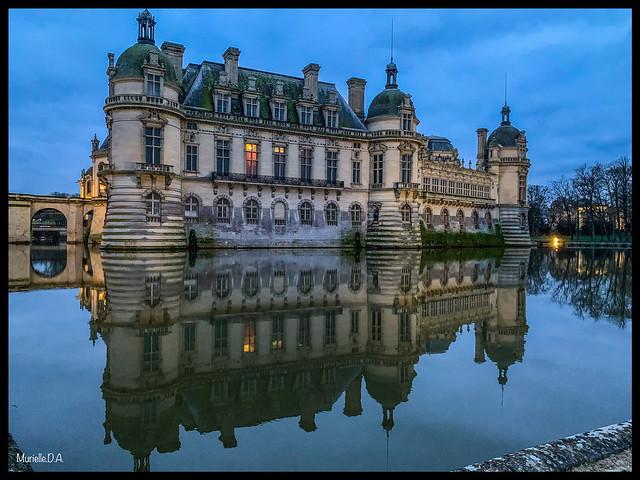 Château de Chantilly by night.