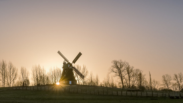 Mühle in Stove zum Sonnenaufgang