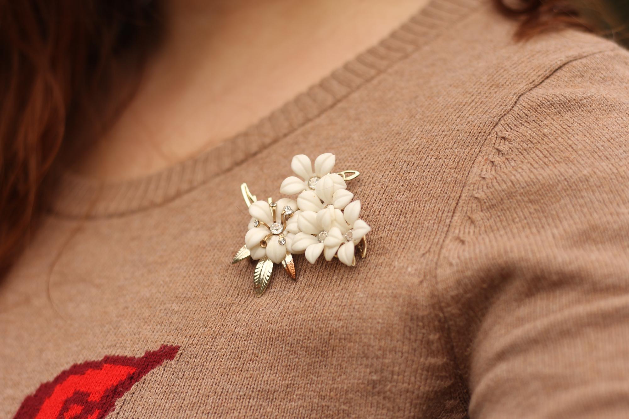 Vintage white flower brooch