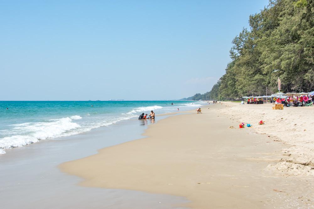 Пляж Мэрампынг Районг Паттайя