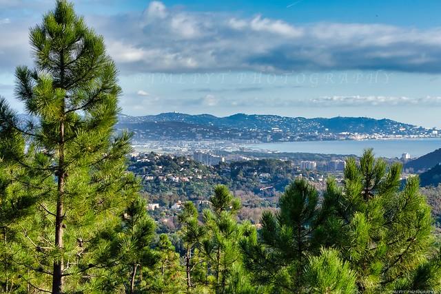 La baie de Cannes vue depuis l'Esterel -1L8A1166