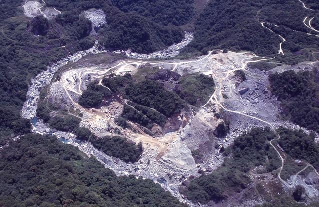 1999.05新康空拍 湳水林道礦場(16)