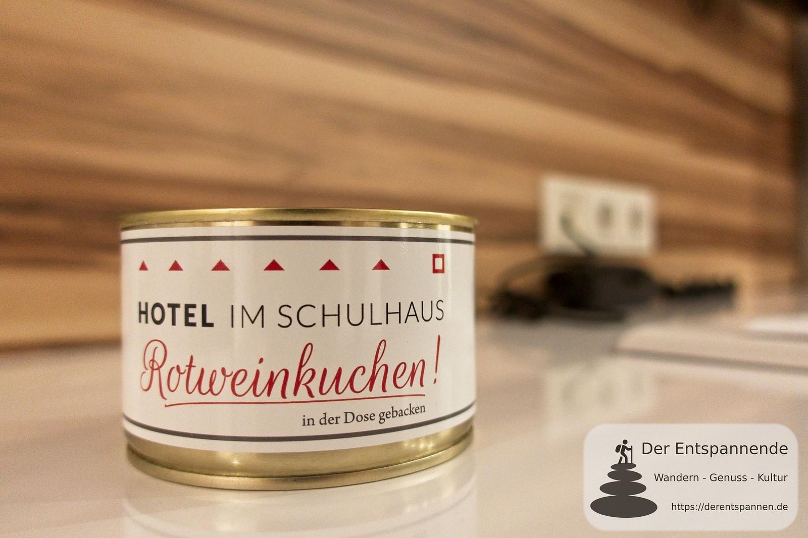 Hotel im Schulhaus: Rotweinkkuchen in der Dose gebacken