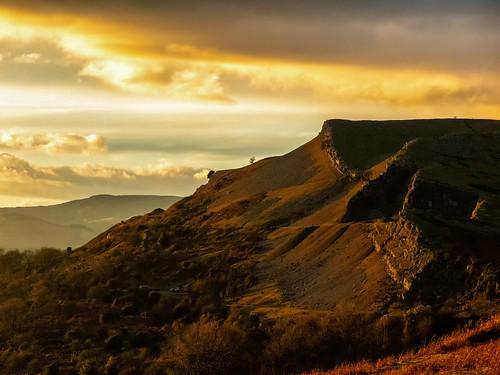 ianwright llangollen panorama dinasbran sunset drama wales canon g1xmkii dramatic light castle walking hills mountains cymru castell castelldinasbran orange ruabonmountain purple rocks