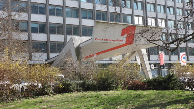 1969/74 Berlin-O. Portal Verlag, Redaktion, Druckerei des Neuen Deutschland von Edgar Hofmann/Eberhard Just Franz-Mehring-Platz 1 in 10243 Friedrichshain