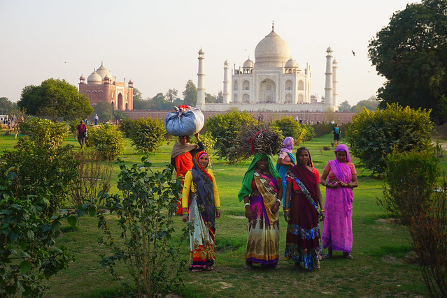 India, Agra - Women on a late afternoon in Mehtab Bagh garden - February 2018