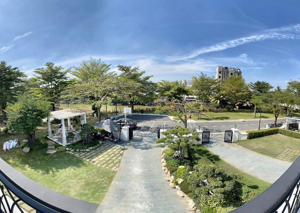 Cho thuê căn biệt thự sân vườn 1000m2 ở Quận 7