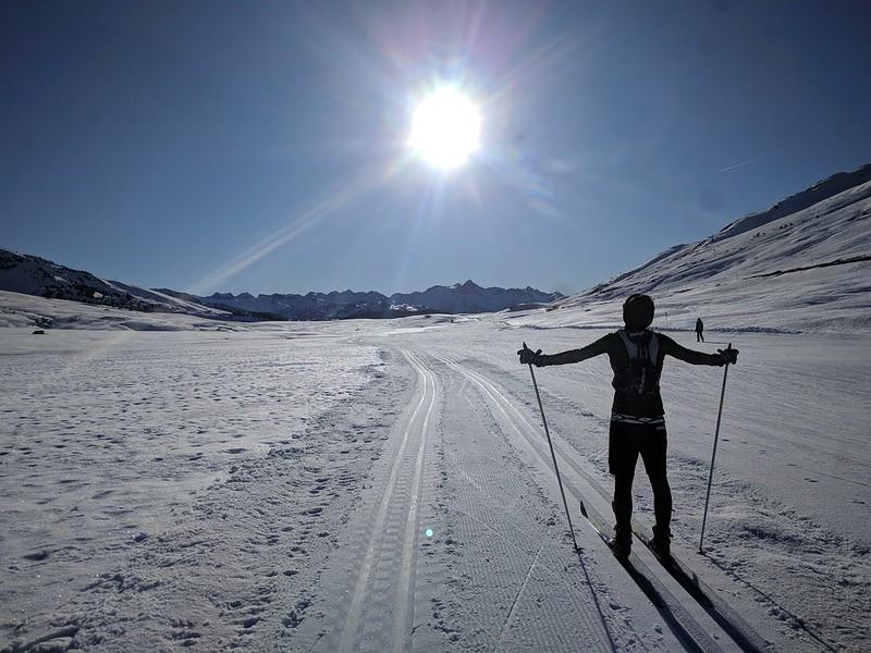 Bonita foto de la pista de esquí de fondo en Beret