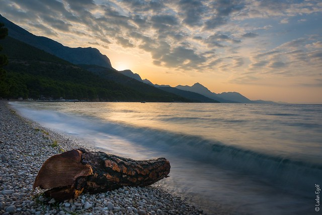 Split-Dalmatia County / Sunrise at pebble beach