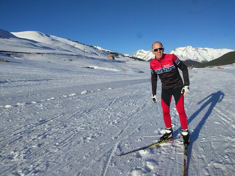 Iñaki haciendo el tonto en esquí de fondo en Beret