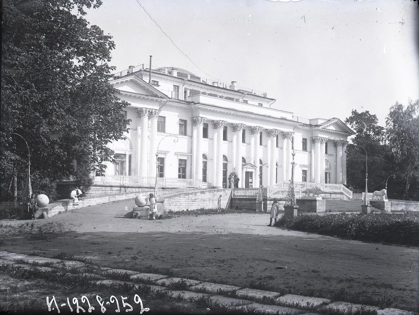 14. Фасад Елагинского дворца
