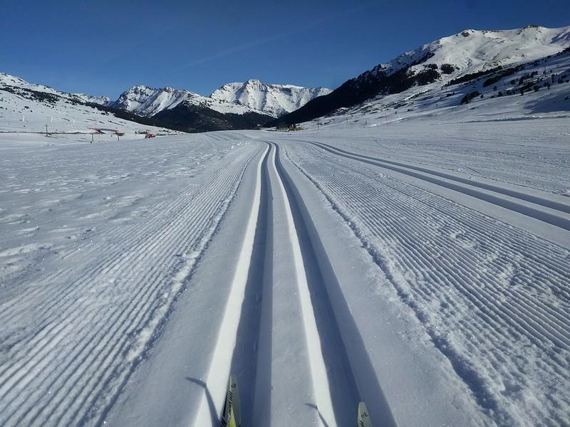 Huella de la pista de esquí de fondo en Beret