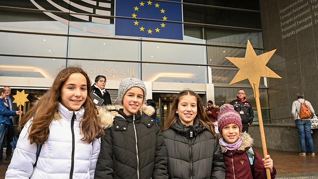 Sternsinger/innen im EU-Parlament 2020