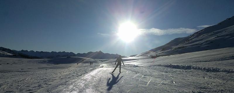 Koro haciendo esquí de fondo en Beret
