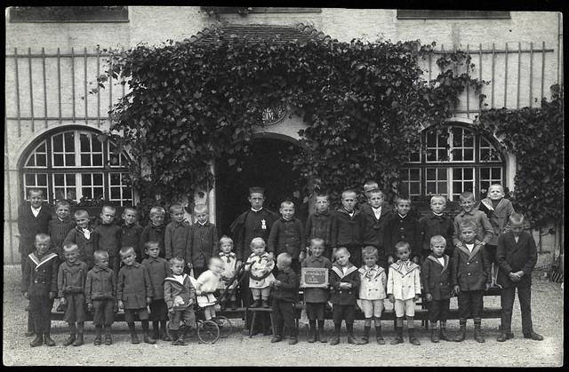 Archiv U884 Kriegswaisen, Kinderheim, WWI, Kriegsjahr 1916