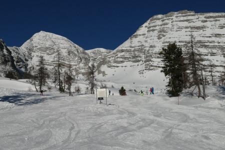 Aktuálně: v Česku se lyžuje na polovině sjezdovek, v Alpách na více než 80 %