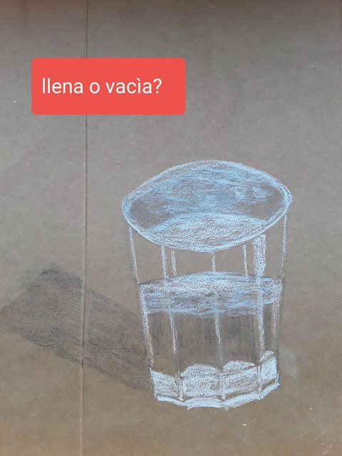 'Vaso medio lleno' Graphito and white coal pen on cardboard.