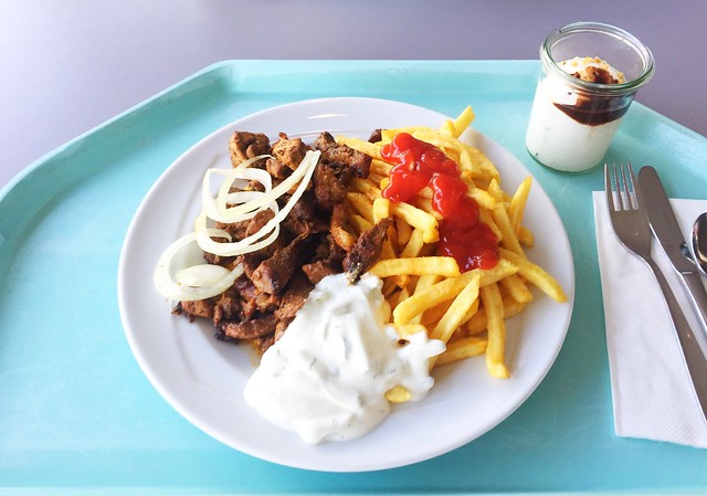 Gyros with french fries / Gyros mit Pommes Frites