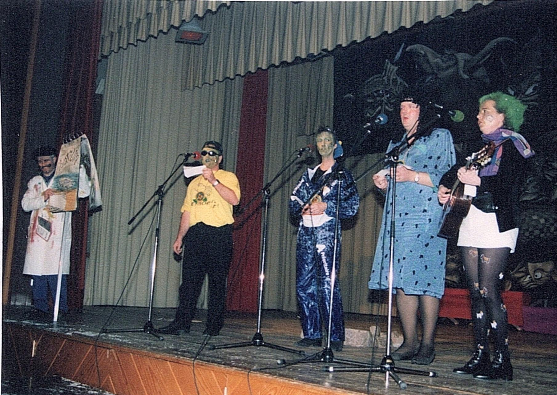 2000 Singfrösche