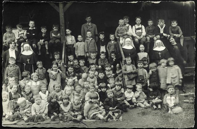 Archiv U892 Katholischer Kindergarten, 1920er