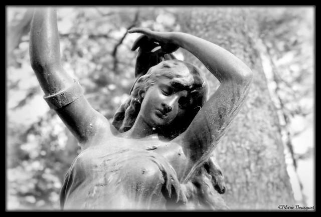 La danseuse du parc de la Villa Palauda à Thuir