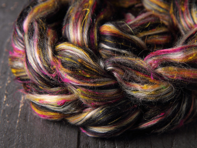 Karma Blend Bamboo, Recycled Sari Silk and Mint eco friendly combed top/roving spinning fibre 100g – 'Embers'