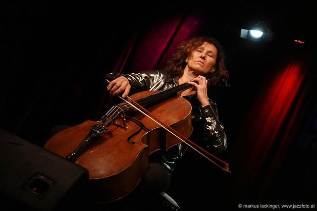 Asja Valcic: cello
